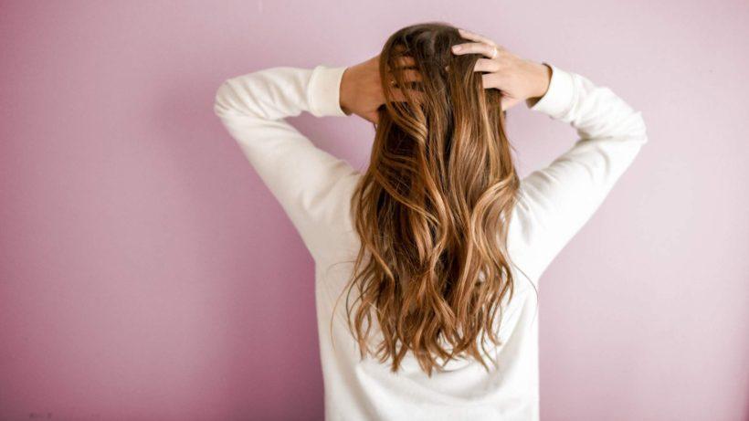 nadmierne wypadanie włosów co jeść